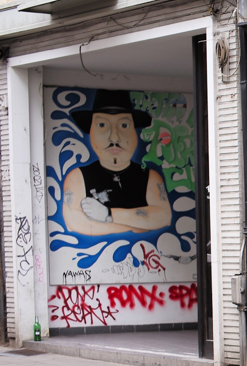 antwerp-old-town-4-moustaches-man